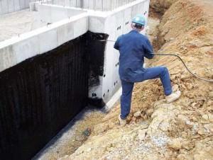 Проведение работ по гидроизоляции фундамента