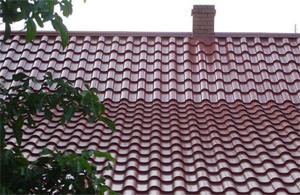 Как правильно крыть крышу металлочерепицей