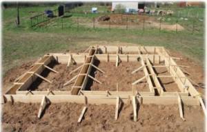 Деревянные доски для сооружения опалубки