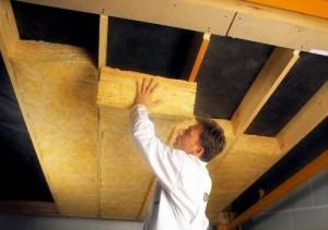 Теплоизоляция потолка натуральным материалом