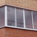 Балкон остекленный алюминиевым профилем (холодное остекление)