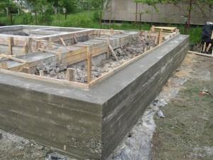 Фундамент после демонтажа опалубки