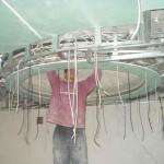 Сооружение каркаса для многоуровневого потолка