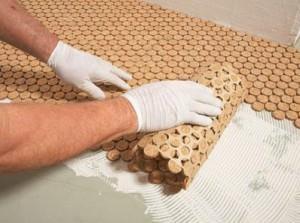 Приклеивание рулонного покрытия