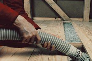 Утепление деревянного пола крошкой из полиэтилена