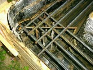 Железные пруты арматуры