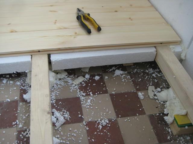 Как сделать пол на балконе деревянный