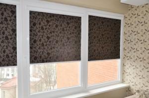 Рулонные шторы на пластиковые окна без сверления — основные советы