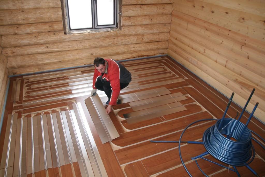 Как сделать тёплый пол от отопления своими руками на деревянный пол