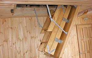 Чердачная лестница — 2 лучших способа изготовления