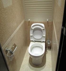 Трубы в туалете